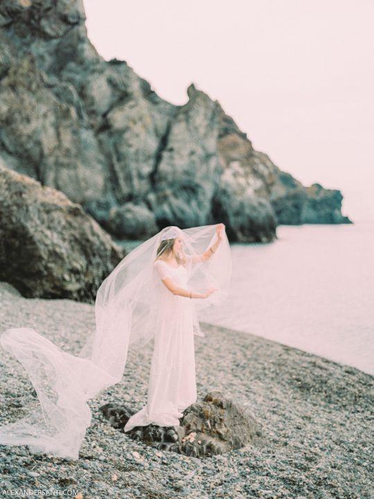 Фотосессия невесты на пляже