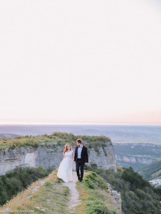 Даша и Рома. Фотосъёмка лавстори в горах Крыма
