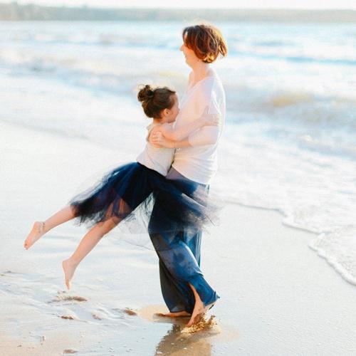 Кристина и Маруся. Семейная фотосессия у моря в Крыму